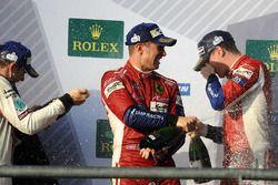 LMGTE Pro podio: ganadores James Calado, Alessandro Pier Guidi, AF Corse