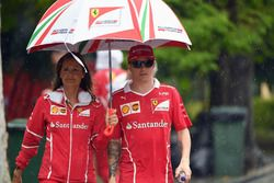 Kimi Raikkonen, Ferrari y Stefania Bocchi, Ferrari encargada de prensa