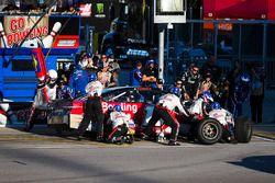 Ricky Stenhouse Jr., Roush Fenway Racing Ford pit stop