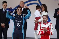 Podyum: Yarış galibi Sébastien Buemi, Renault e.Dams, 3. Nick Heidfeld, Mahindra Racing