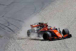 Felipe Massa, Williams FW40, collides, Stoffel Vandoorne, McLaren MCL32, leading to the latter drive