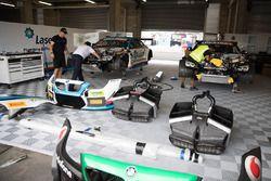 BMW Team garage atmosphere