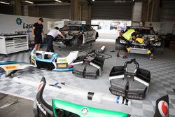 В гараже BMW Team