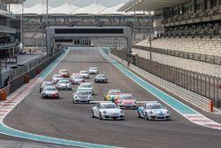انطلاق السباق الثاني من جولة أبوظبي، بورشه جي تي 3 الشرق الأوسط