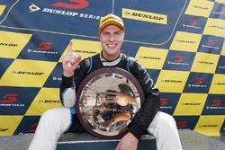 Dunlop Series: Şampiyon Garry Jacobson