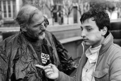 Riccardo Patrese, Shadow, talks with Don Nichols, Shadow Team Owner
