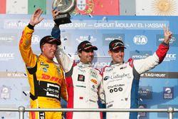 Podium WTCC trophy: Tom Coronel, Roal Motorsport, Chevrolet RML Cruze TC1, Mehdi Bennani, Sébastien