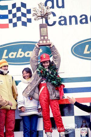 Подиум: победитель Жиль Вильнёв, Ferrari, третье место – Карлос Рейтеман, Ferrari