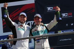 Rob Huff, Leopard Racing Team WRT, Volkswagen Golf GTi TCR and Jean-Karl Vernay, Leopard Racing Team WRT, Volkswagen Golf GTi TCR