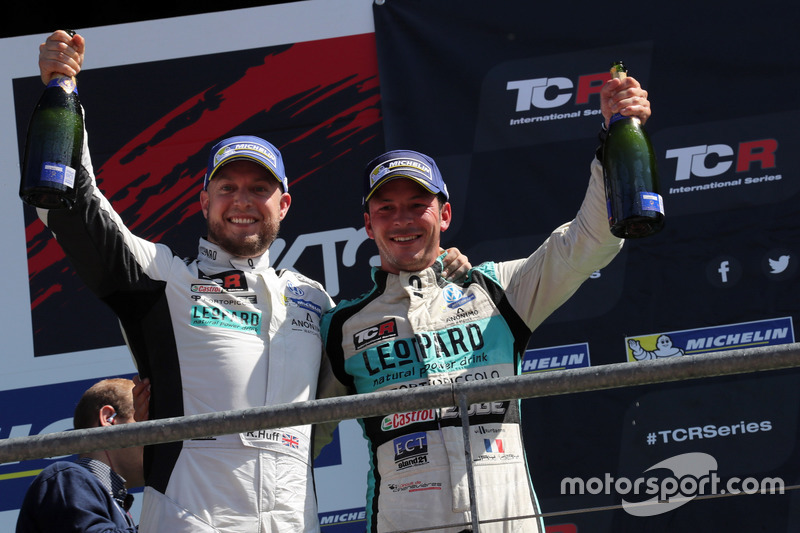 Rob Huff, Leopard Racing Team WRT, Volkswagen Golf GTi TCR en Jean-Karl Vernay, Leopard Racing Team