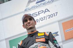 Rookie podium: first place Jehan Daruvala, Carlin, Dallara F317 - Volkswagen