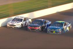 Jimmie Johnson, Hendrick Motorsports Chevrolet; Kasey Kahne, Hendrick Motorsports Chevrolet; Brad Ke