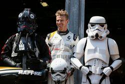 Nico Hulkenberg, Renault Sport F1 Team, avec des personnages de Star Wars