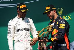 Race winner Lewis Hamilton, Mercedes AMG F1 and Daniel Ricciardo, Red Bull Racing