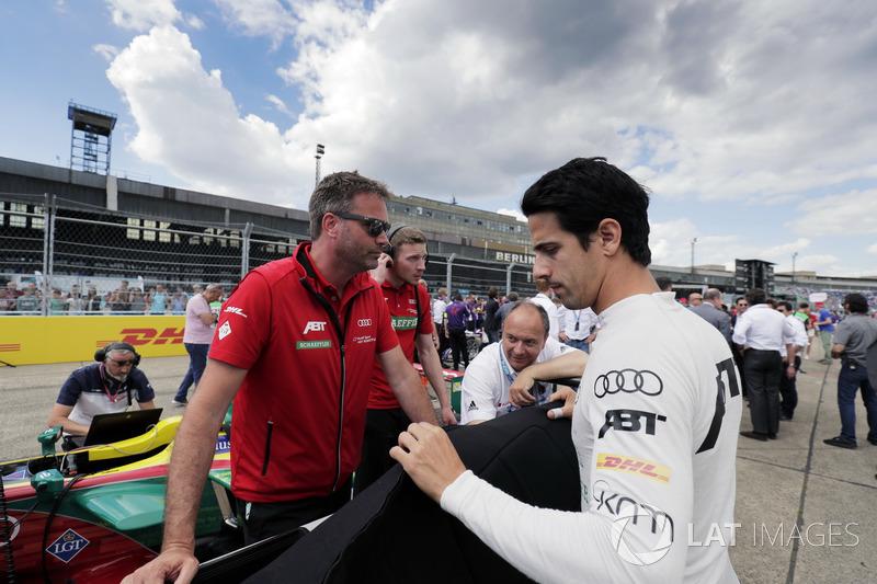 Lucas di Grassi, ABT Schaeffler Audi Sport, sur la grille