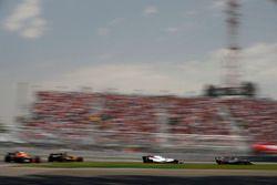 Кевин Магнуссен, Haas F1 Team VF-17, Лэнс Стролл, Williams FW40, Нико Хюлькенберг, Renault Sport F1