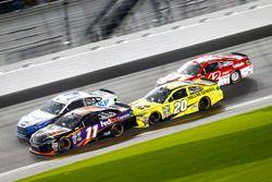 Denny Hamlin, Joe Gibbs Racing Toyota; Brad Keselowski, Team Penske Ford; Matt Kenseth, Joe Gibbs Ra