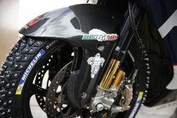 Neumáticos de nieve en la motocicleta