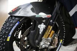 Des pneus neige sur la moto
