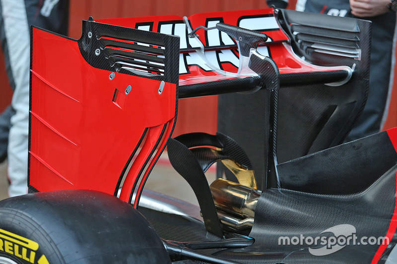 Haas VF-16 rear wing