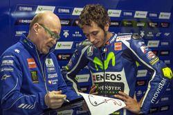 Valentino Rossi, Yamaha Factory Racing, avec son ingénieur Silvano Galbusera