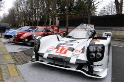 Porsche 919 Hybrid, RGR Sport by Morand LMP2, Ford GT en las calles de París