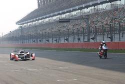 Nick Heidfeld, Mahindra Racing y Danny Webb, Mahindra Racing