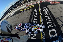Elliott Sadler, JR Motorsports Chevrolet takes the checkered flag