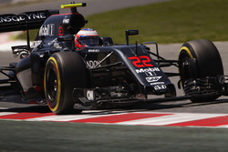 Jenson Button, McLaren MP4-31 on track
