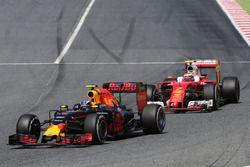 Max Verstappen, Red Bull Racing and Kimi Raikkonen, Scuderia Ferrari