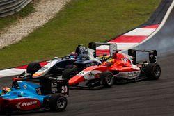 Arjun Maini, Jenzer Motorsport, vor Steijn Schothorst, Campos Racing, und Jake Dennis, Arden Interna