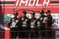 Podio Trofeo Cayman Gara 2: Riccardo Pera, Ebimotors, Mercatali-Ceccotto, Dinamic Motorsport, Piccio
