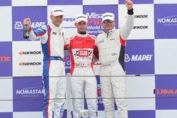 Podio TCR, Gara 2: il secondo classificato Roberto Colciago, AGS, il vincitore Alberto Viberti, BRC Racing Team, il terzo classificato Romy Dall'Antonia, BF Racing