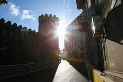 Bakü Şehir Pisti, 10. viraj ve kale