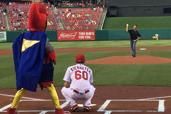 Ben Rhodes throwing out first pitch at MLB game between St. Louis and Houston