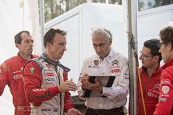 Kris Meeke, pilota Citroen Racing WRC e Didier Clement, responsabile sviluppo e test Citroen C3 WRC Plus 2017