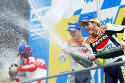 Podium: 1. Valentino Rossi, 2. Tohru Ukawa, 3. Max Biaggi
