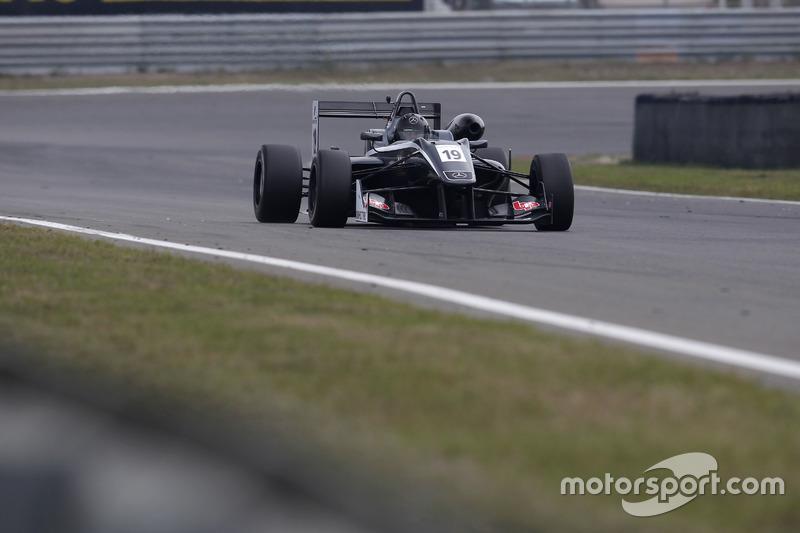 Tom Randle, Double R Racing Dallara F314 – Mercedes