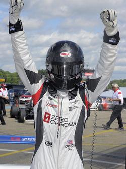 Ganador, Cameron Das