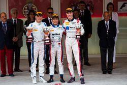 Podio: gandor de la carrera Nobuharu Matsushita, ART Grand Prix, segundo lugar Marvin Kirchhofer, Ca