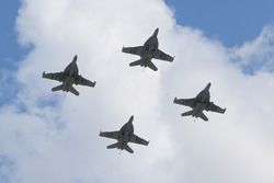Aviones sobre el circuito