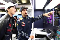 Daniel Ricciardo, Red Bull Racing ve Aktör Li Yifeng