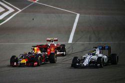 Kimi Raikkonen, Ferrari SF16-H, Daniel Ricciardo, Red Bull Racing RB12 et Felipe Massa, Williams FW38