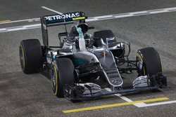 Le vainqueur Nico Rosberg, Mercedes AMG F1 Team W07