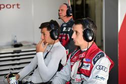 #8 Audi Sport Team Joest, Audi R18 e-tron quattro: Loic Duval, Oliver Jarvis, und Audi-Sportchef Wol