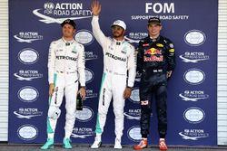 Polesitter Lewis Hamilton, Mercedes AMG F1; 2. Nico Rosberg, Mercedes AMG F1; 3. Max Verstappen, Red