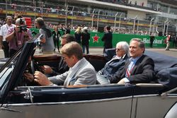 Bernie Ecclestone, driven by Adrian Fernandez, on the drivers parade