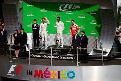 Podium : Nico Rosberg, Mercedes AMG F1, deuxième; Lewis Hamilton, Mercedes AMG F1, vainqueur; Sebastian Vettel, Ferrari, troisième