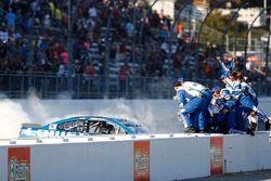 Yarış galibi Jimmie Johnson, Hendrick Motorsports Chevrolet