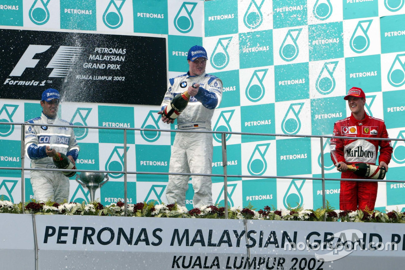 Podium: second place Juan Pablo Montoya, Williams; Race winner Ralf Schumacher, Williams; third plac